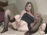 Porno Amateur Anal Slut vídeo Utiliza Buttplug en su culo apretado